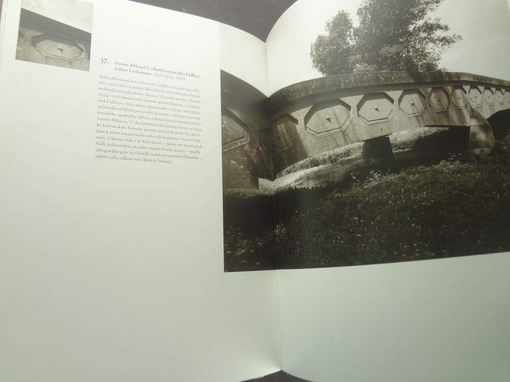Lomene, hranate a obloukove tvary: Ceska kubisticka architektura 1911-19239