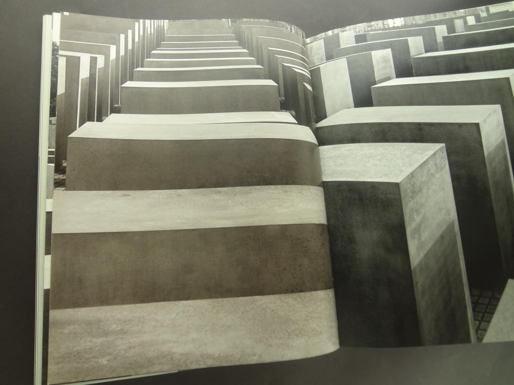 Holocaust Memorial Berlin: Eisenman Architects1