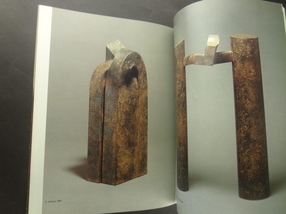 Catalogue of the Exhibition of Eduardo Chillida1